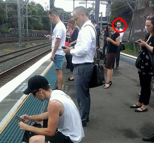 funny-train-stop-people-mobile