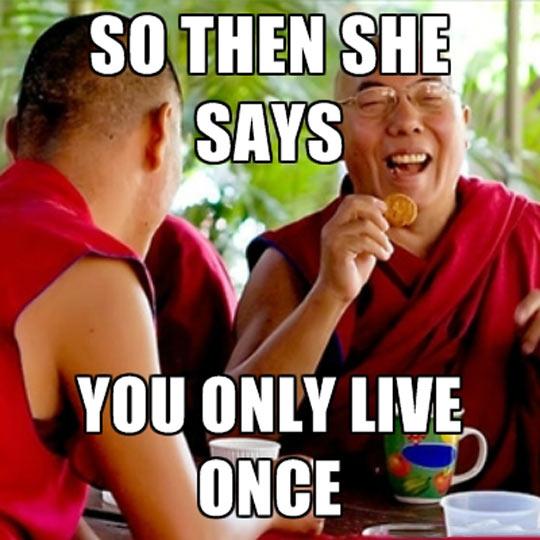 funny-Buddhist-monk-laughing-joke
