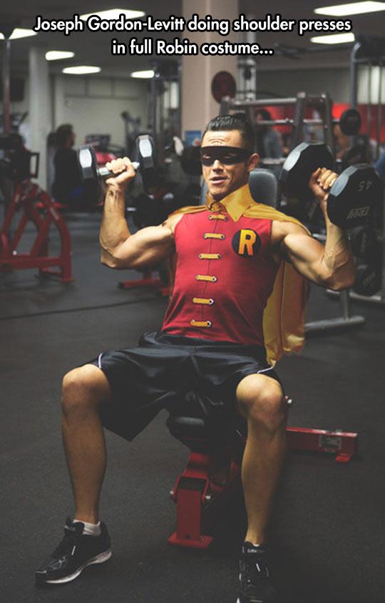 funny-Gordon-Robin-costume-gym