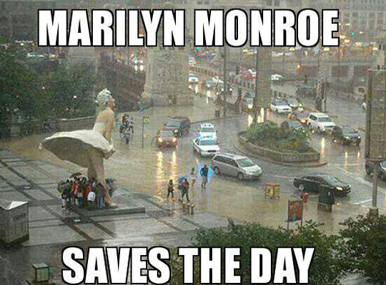 Multipurpose Marilyn Monroe Statue