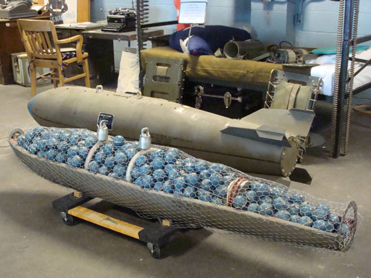 funny-bomb-inside-balls-explosives