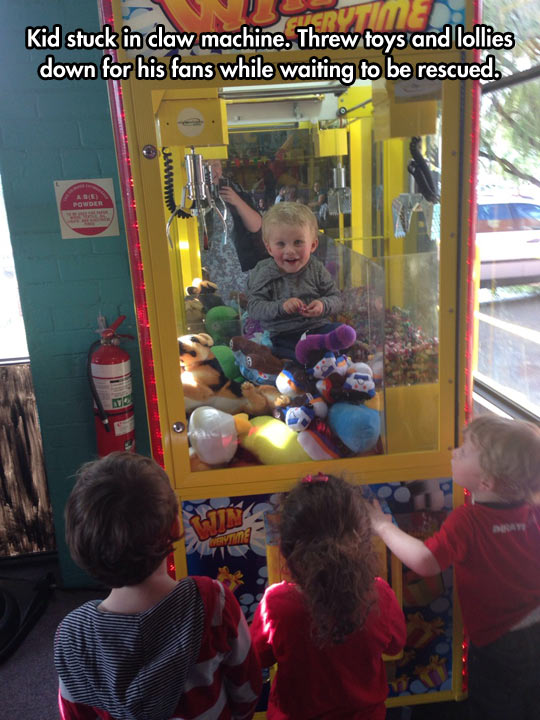 funny-claw-machine-kid-toys-candy