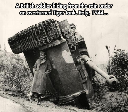 funny-soldier-British-tank-turn-over