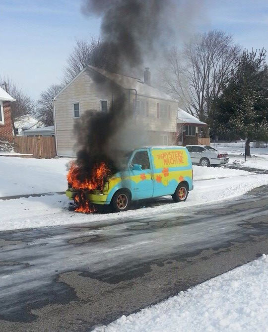 funny-van-Mystery-Machine-fire