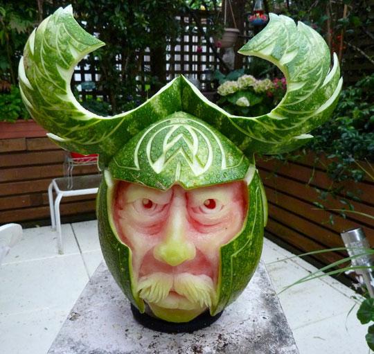 cool-watermelon-art-carving-warrior