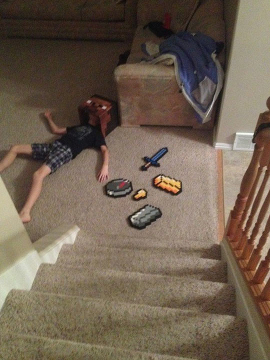 funny-Minecraft-cosplay-stairs-sword