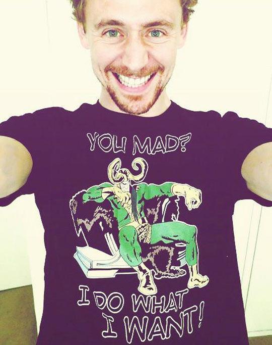 funny-Tom-Hiddleston-Loki-throne