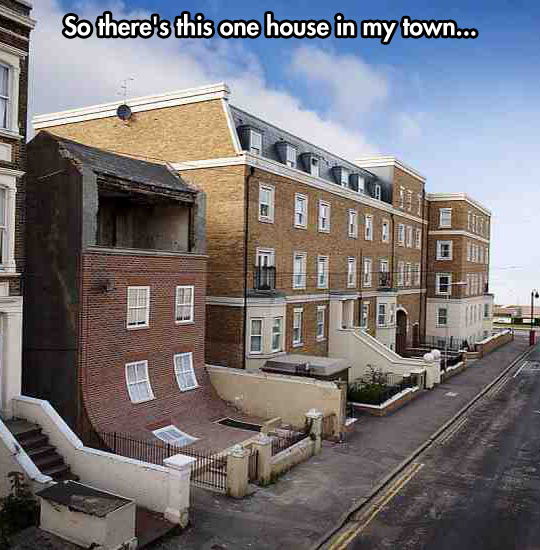 funny-house-town-front-down