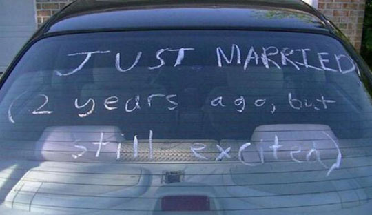 funny-just-married-sign-car-marriage