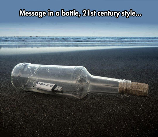 funny-message-bottle-USB-beach