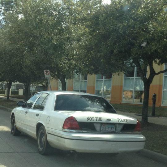 funny-not-police-car-plot-warning