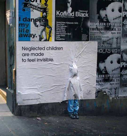 funny-poster-children-glue-wall-campaign