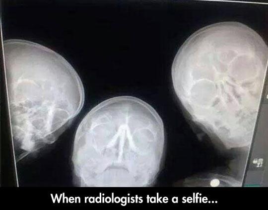 funny-radiologist-skulls-selfie-heads