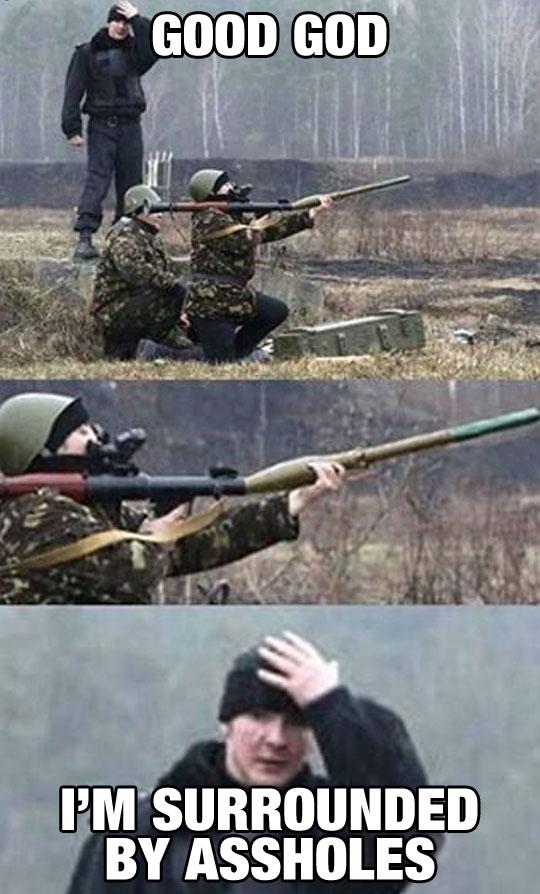 funny-soldier-rocket-launcher-backwards-dumb