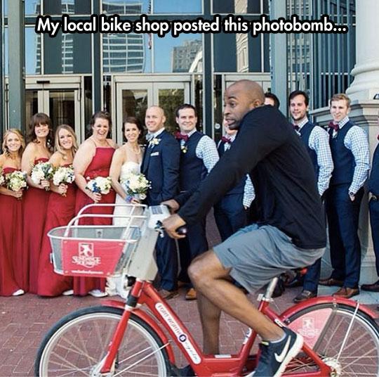 funny-wedding-photograph-bike-crossing