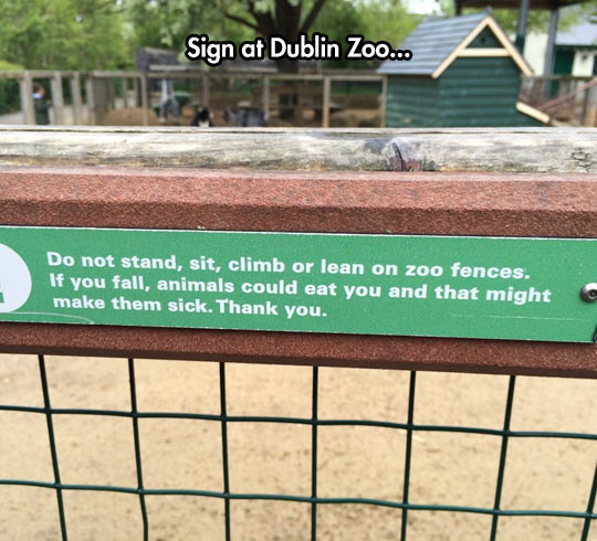 funny-zoo-fence-warning-advice