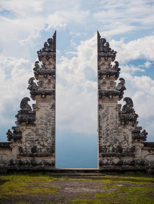 cool-door-Indonesia-Bali-sky