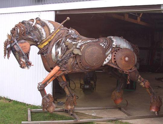 cool-scrap-metal-horse-sculpture