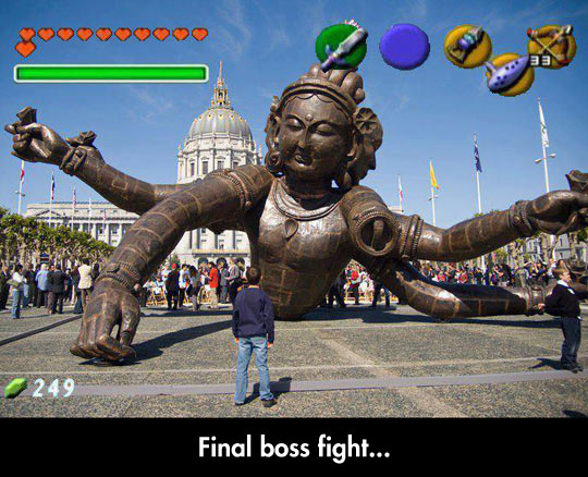 funny-Indian-boss-fight-game-sculpture