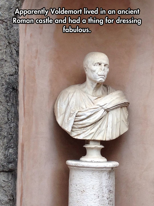 funny-Voldemort-statue-Rome-old