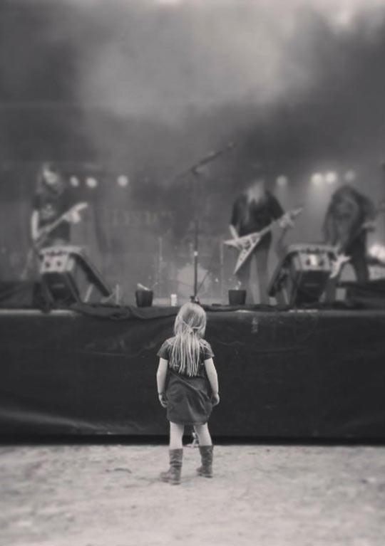 funny-girl-music-band-metal