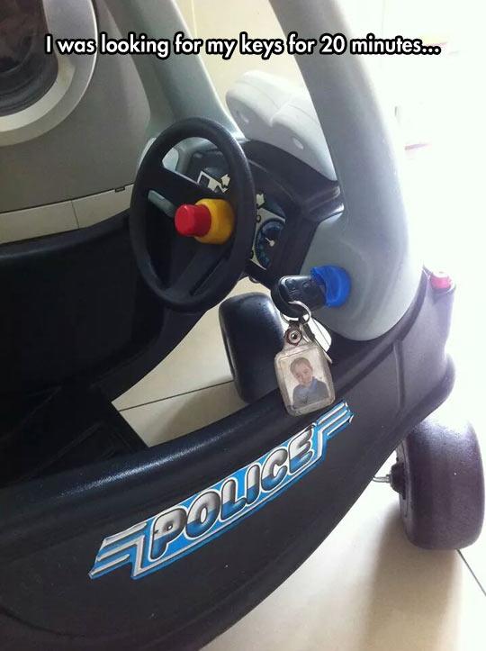 funny-kid-car-toy-keys-lost