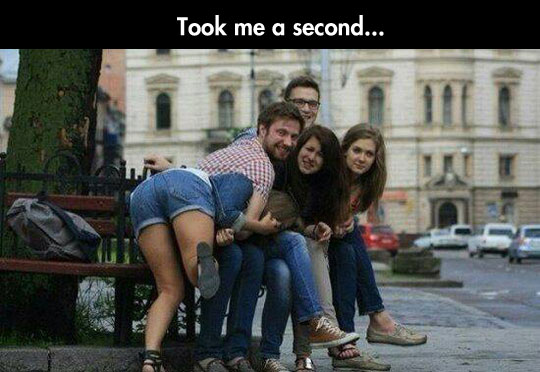 funny-photograph-group-confusing-friends
