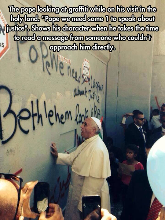 funny-pope-looking-graffiti-message