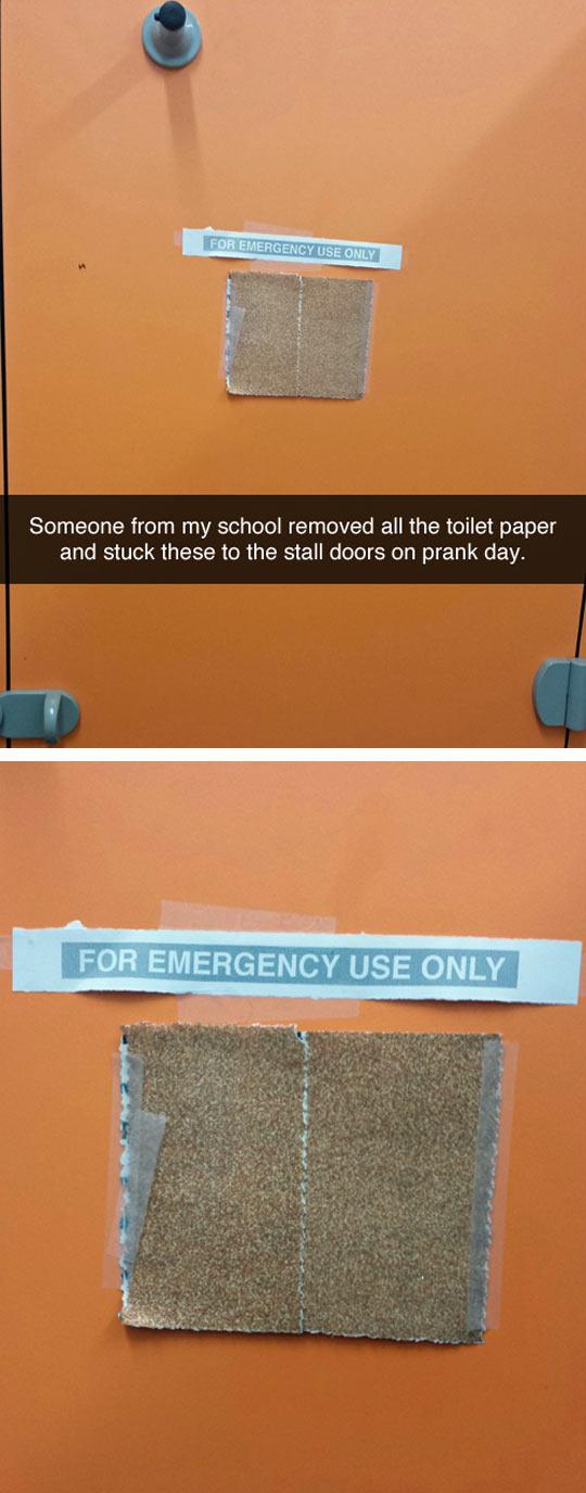 funny-prank-toilet-paper-door