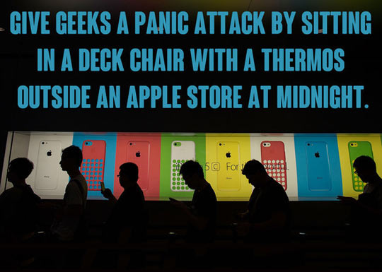 funny-scared-geeks-Apple-store