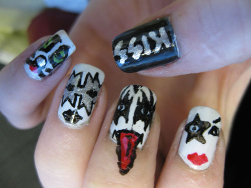 Kiss_nails