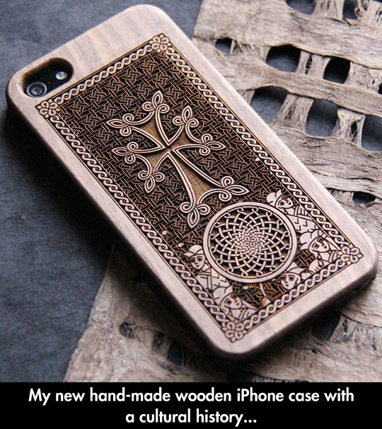 cool-iPhone-case-hand-made-wooden