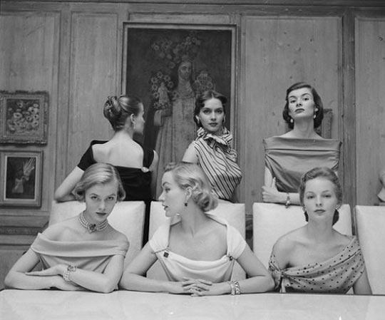 Stunning 1950s Necklines