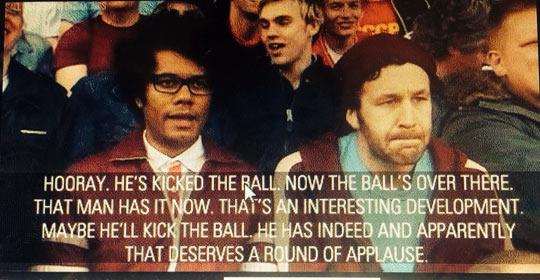 funny-IT-Crowd-ball-kick