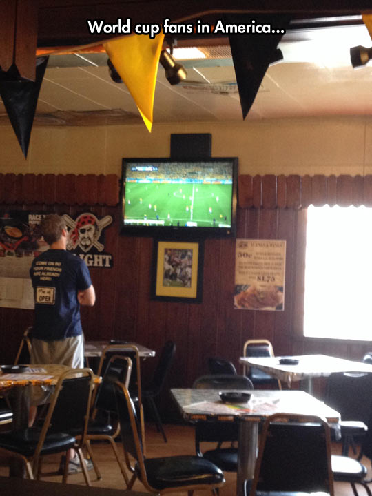 funny-World-Cup-bar-fans-America