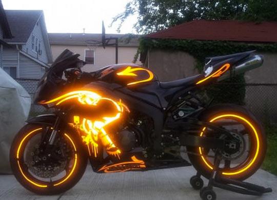 funny-bike-lights-golden-black
