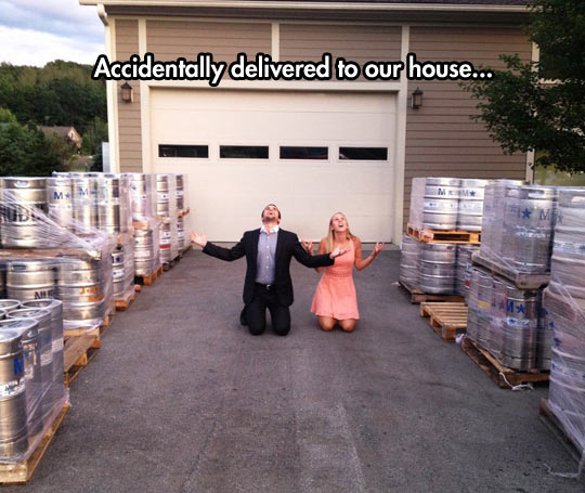 funny-couple-house-beer-yard