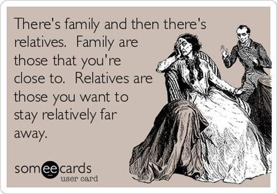 funny-family-relatives-far-away