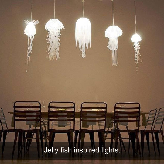 funny-lights-jelly-fish-table