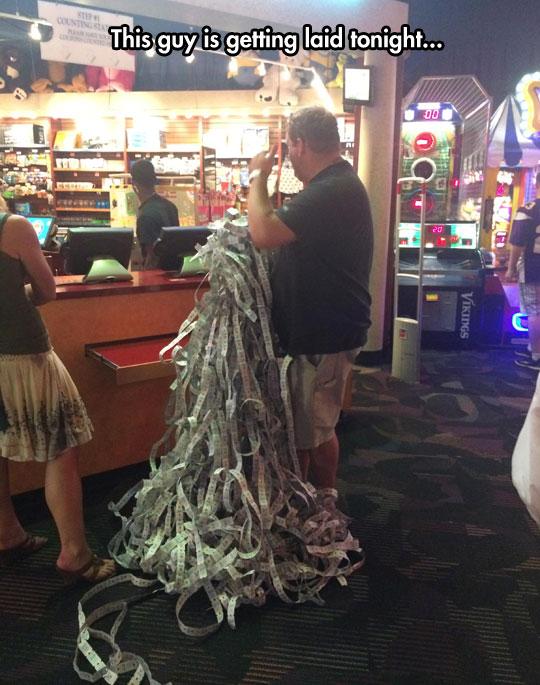 funny-man-tickets-amount-arcade