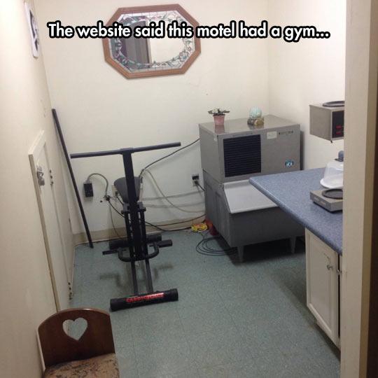 funny-motel-website-gym-room