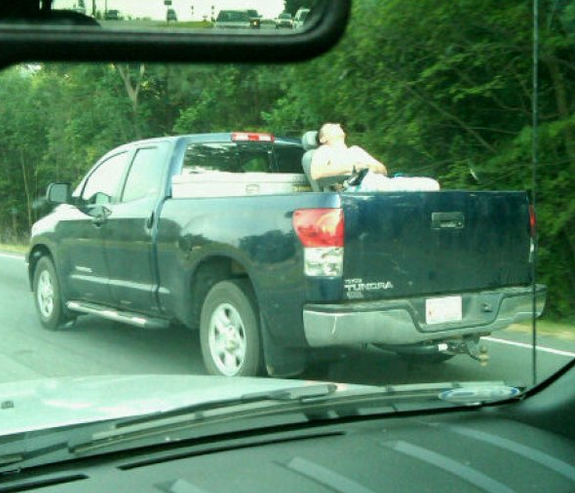 funny-people-passed-out-trucks