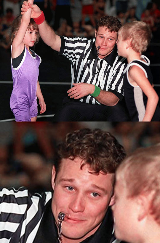 funny-referee-fight-girl-smiling