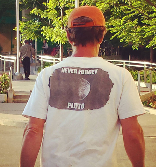 funny-shirt-never-forget-Pluto