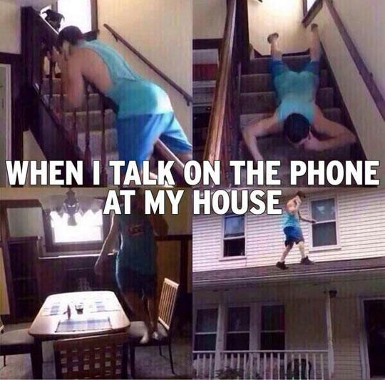 funny-talking-phone-house-walking