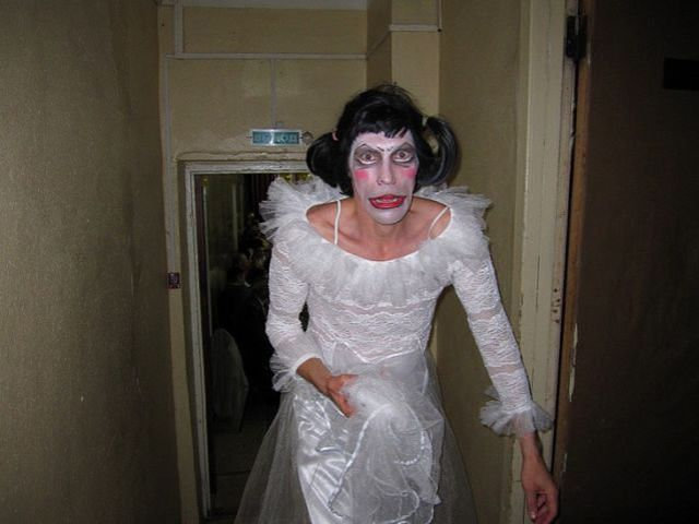 ridiculous_and_funny_wedding_photos_640_42
