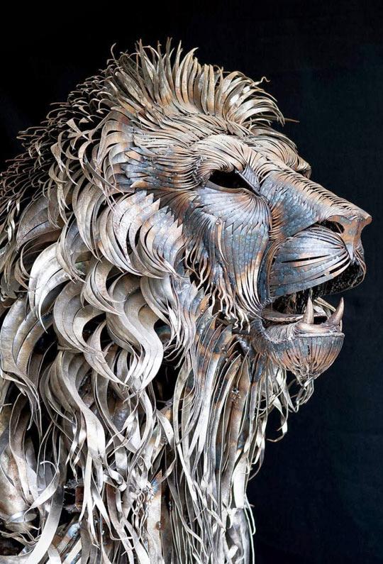 cool-art-metal-lion-sculpture