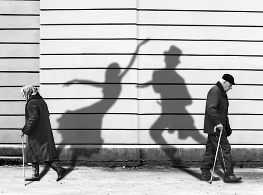 cool-old-people-shadow-dancer