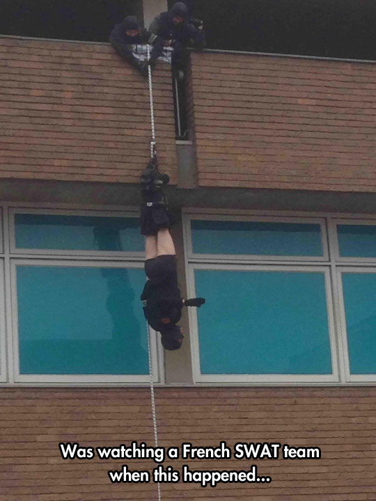 funny-French-SWAT-team-hanging-rope