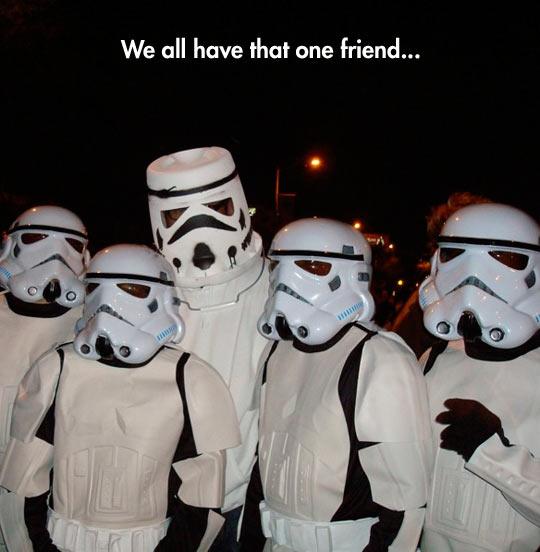 funny-Stormtrooper-costume-poor-friend